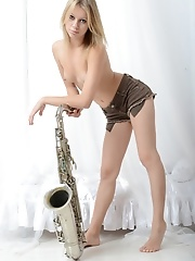 Adorable saxophonist